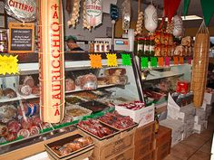 An Italian Deli......Oh would I enjoy shopping here.