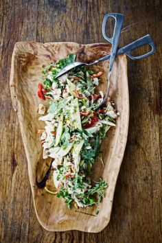 I love it when I stumble across a yummy salad recipe – and this one ticks all the boxes!  What you'll need: BBq'd roast chicken, wrapped in foil and re-warmed at 180 degrees (save juices and drippings) 1 bunch of rocket, washed and torn 2 [...]