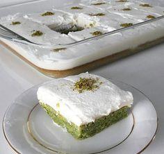 Kremalı ıspanaklı kek tarifi Baking Recipes, Cake Recipes, Pasta Cake, Turkish Sweets, Turkish Recipes, Easy Desserts, Chocolate Cake, Feta, Cheesecake