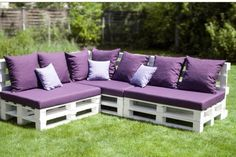 The easiest and cheapest way to build your outdoor space is by using easy and cheap DIY outdoor couch ideas. Pallet Patio Furniture, Outdoor Furniture Plans, Pallet Sofa, Rustic Furniture, Diy Patio Furniture Cheap, Diy Garden Furniture, Concrete Furniture, Victorian Furniture, Pallet Furniture For Outdoors