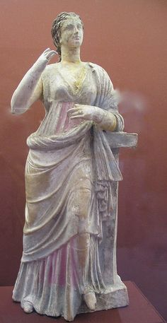 Roman statuette of woman by rosewithoutathorn84, via Flickr