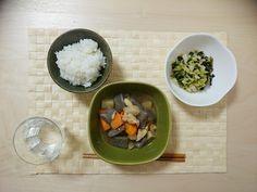2014/10/20 野菜の煮物と、白菜ワカメタラコ和え。白菜〜は、ごま油で和えるだけなのに美味しい。