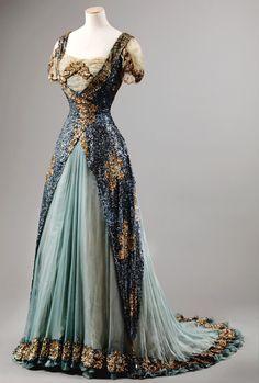 Gala Dress c. 1905 - 1910