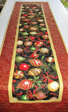 Christmas Table Runner Ornaments handmade quilted from