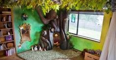 Dad builds a Disney-style fairy tale tree for his kid's bedroom . Rob Adams built his daughter a fairytale bedroom, complete with an enchanted reading nook. Indoor Tree House, Indoor Trees, Fairytale Bedroom, Fairy Bedroom, Magical Bedroom, Forest Bedroom, Fantasy Bedroom, Tree Bedroom, Childs Bedroom