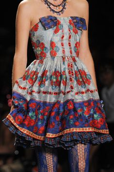 Anna Sui Spring 2013 - Details http://www.beirresistiblereview.org/wp