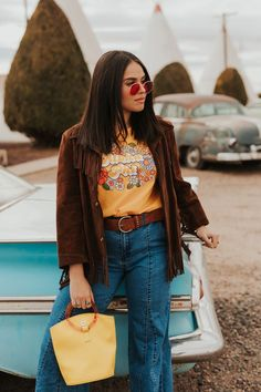 """Alpha Phi """"Flower Child Tee"""" (available for multiple organizations! Outfits Otoño, Hippie Outfits, Retro Outfits, Fall Outfits, Fashion Outfits, Concert Outfits, Festival Outfits, 70s Inspired Fashion, 70s Fashion"""