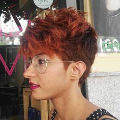 From @peluquerosareyouready 💕 Pixie, Eyes, Glasses, Fashion, Haircuts, Hair, Eyewear, Moda, Eyeglasses