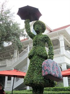 This small topiary is available to the public; you do not have to be a guest of the Grand Floridian to visit.