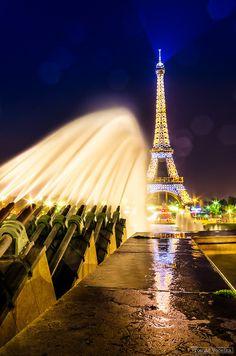 ♔    via 500px / Eiffel tower by Tomáš Vocelka