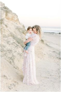 Outdoor Family Photography, Family Portrait Photography, Family Photographer, Family Portraits, Family Photos, Lifestyle Photography, Family Photo Outfits, Family Photo Sessions, Portrait Inspiration