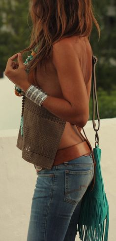 Sunkissed. Sun tanned skin with Brown flyaway back shirt + Emerald green bag + Denim | Lorenzens-Soil #summer