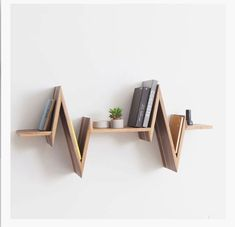 Home Decor Budget, Home Decor on a budget, Home Decor ideas, Home Decor Wandregal- und Bücher Diy Casa, Wall Shelves Design, Shelf Wall, Bookshelf Design, Floating Wall Shelves, Hanging Shelves, Diy Home Crafts, Baby Crafts, Diy Wood Projects