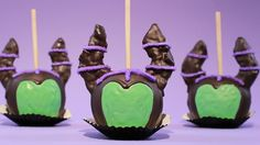 Today I made Disney Parks inspired Chocolate Dipped Maleficent Candy Apples! I'm not a pro, but I love baking as a hobby. Please let me know what kind of tre. Disney Candy, Disney Diy, Disney Crafts, Disney Food, Disney Parks, Disney Recipes, Disney Magic, Disney Halloween, Fall Halloween