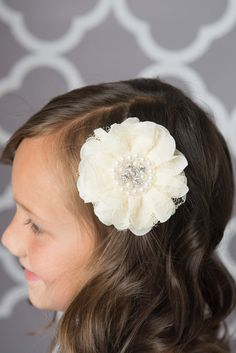 Ivory flower clip - La Bella Rose Boutique. Flower hair accessories, flower girl hair, girl's hairstyles, stocking stuffers for girls.