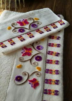 s Pin was discovered by Muh Hand Embroidery Design Patterns, Hand Embroidery Videos, Ribbon Embroidery, Cross Stitch Embroidery, Baby Knitting Patterns, Crochet Potholder Patterns, Nursery Crafts, Point Lace, Rug Hooking