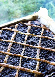 Maailman paras mustikkapiirakka - blueberry pie (Finnish blueberries, that is bilberry or European blueberry, not the North American version. These are smaller and way more flavorful. Finnish Cuisine, Finland Food, No Bake Desserts, Dessert Recipes, Nordic Recipe, Finnish Recipes, Frozen Cheesecake, Scandinavian Food, World Recipes