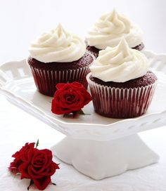 Red Velvet Cupcakes With Vanilla Mascarpone Frosting