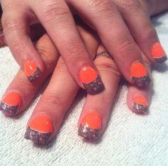 Camo and orange nail desings