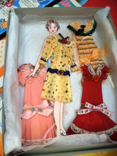 §§§ : Martha Davis Paper Doll with 3-D wardrobe ✄ early 1900