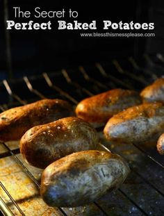 Wondering how to bake a potato? This post is exactly what you need! Your ultimate guide to making a perfectly baked potato with fluffy center & crispy skin. Potato Dishes, Food Dishes, Side Dishes, Potato Recipes, Potato Food, Vegetable Dishes, Vegetable Recipes, Perfect Baked Potato, Cooking Recipes
