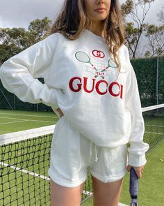 Sporty Outfits, Cute Casual Outfits, Summer Outfits, Gucci Sweatshirt, Sweatshirt Outfit, Mode Tennis, Looks Style, My Style, Look Fashion
