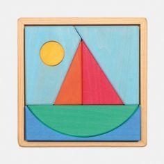Kleines Puzzle aus massivem Lindenholz, farbig lasiert im Holzrahmen    Diese einfachen Legespiele eignen sich besonders für kleine Kinder. Und hier kommt es nicht darauf an, das Legespiel wieder richtig zusammen zu setzen. Vielmehr geht es darum, gemeinsam zu entdecken, was noch alles daraus entstehen kann.