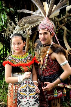 Ngepan Indu & Laki Iban-Sea Dayak/Dyak of Borneo (Men & Women Traditional Costume)