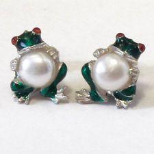 Frog holding 6 mm pearl Sterling silver & 14k gold Enamel Earrings Lot 236