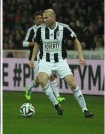 File:Football against poverty 2014 - Zidane Zinedine Zidane, Sports, Tops, Fashion, Blue, Hs Sports, Moda, Fashion Styles, Excercise