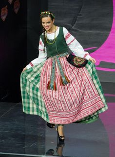Lithuania national costume inspired by the miss universe 2015 2013 miss universe national costume show miss lithuania simona burbaite publicscrutiny Choice Image