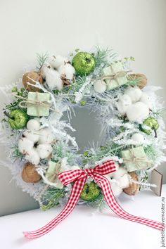 Купить Интерьерный венок - мятный, интерьерный венок, Новый Год, рождество, подарок, украшение на дверь