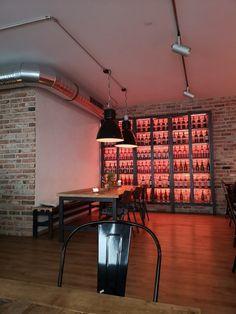 Neapolitanische Pizza, Lower Saxony, Lokal, Restaurant, Margarita, Track Lighting, Ceiling Lights, Table, Home