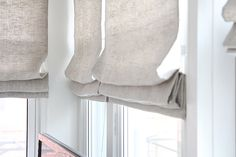 There are a lot of different blinds that can be used to enhance your home look. Roman blinds are ver Linen Curtains, Curtains With Blinds, Blinds For Windows, Gypsy Curtains, Drapery, Window Coverings, Window Treatments, Linen Roman Shades, Curtain Inspiration