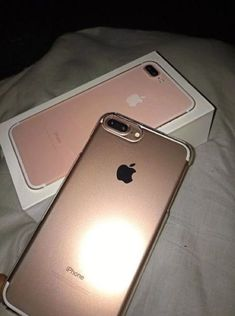 Find images and videos about iphone, rose gold and iphone 7 plus on We Heart It - the app to get lost in what you love. Iphone 8, Apple Iphone, Free Iphone, Coque Iphone, Iphone Cases, Iphone 7plus Rose Gold, Iphone 7 Plus Rose Gold Case, Apple Coque, Macbook