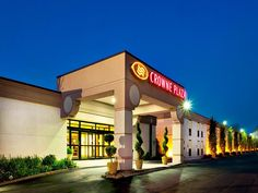 Paramus (NJ) Crowne Plaza At Paramus Park Hotel United States, North America Set in a prime location of Paramus (NJ), Crowne Plaza At Paramus Park Hotel puts everything the city has to offer just outside your doorstep. The hotel has everything you need for a comfortable stay. 24-hour room service, facilities for disabled guests, Wi-Fi in public areas, car park, room service are just some of the facilities on offer. Non smoking rooms can be found in selected guestrooms. Access ...