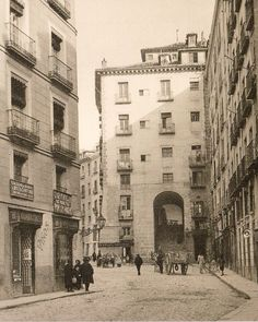 Arco de Cuchilleros, Plaza Mayor. Madrid, 1919.