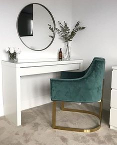 Classy Dressing Table Design Ideas For Your Room Dressing Table With Chair, Dressing Room Decor, Dressing Table Design, Ikea Malm Dressing Table, Room Decor Bedroom, Ikea Bedroom Design, Bedroom Furniture, Furniture Design, Bedroom Green