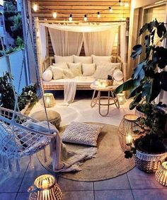 Small Balcony Ideas to Help You Make The Most of Your Outdoor Space Small Balcony Decor, Small Balcony Design, Outdoor Balcony, Small Patio, Balcony Garden, Patio Balcony Ideas, Patio Decks, Small Outdoor Spaces, Balcony Railing