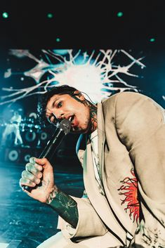 couple snaps of oli from the Bring Me The Horizon show tonight in Miami! Mayday Parade Lyrics, Oli Sykes, Alan Ashby, The Amity Affliction, La Dispute, Jack Barakat, Halestorm, Tonight Alive, Warped Tour