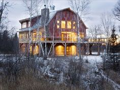 DREAMY!  I'd love to stay at this Lake Superior Barn surrounded by Brule River State Forest. 10 couples to split it for a weekend in the fall or winter? Awesome.