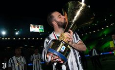 Juventus Soccer, Over Ear Headphones, Football, Soccer, Futbol, American Football, Soccer Ball