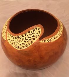 Fun Crafts, Diy And Crafts, 60th Birthday Gifts, Gourd Art, Wooden Bowls, Diy Projects To Try, Basket Weaving, Decorative Bowls, Crafting