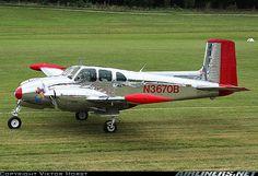 Beech B50 Twin Bonanza aircraft picture