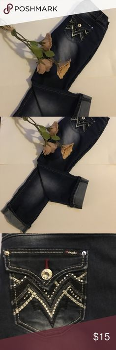 Cropped Jeans Adorable cropped jeans with embellishments on the pockets & rolled up on the legs of the pants 👖👠👠👠👠👠 Angels Jeans Ankle & Cropped