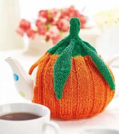Nicola Valiji's autumnal teacosy will keep your cuppa piping hot! Tea Cosy Knitting Pattern, Tea Cosy Pattern, Knitting Patterns Free, Free Knitting, Free Pattern, Crochet Patterns, Halloween Knitting Patterns, Knitting Projects, Pumpkin Tea