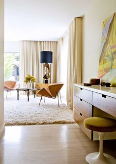 Inside a Midcentury Home with a Feminine Touch // Feminine midcentury bedroom with vanity