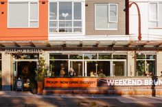 """Fraserhood consists of several blocks within Vancouver's Kensington-Cedar Cottage neighbourhood. Referred to as a """"foodie hub,"""" this area has a lot of cuisines for you to select from, including one of the best local brunch spots, Bells & Whistles! 🍴 After you grab a bite to eat, we suggest enjoying a stroll down Fraser Street, to take in the views of the North Shore mountains. #VancouverRE #Vancouver #yvr Brunch Spots, Whistles, North Shore, Main Street, Vancouver, The Neighbourhood, Real Estate, Cottage, Group"""