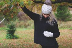 Knitwear set - handmade / merino wool mittens and  hat #winter #white #mittens  #hat #fauxfur #pompom #beanie #autumn #fall #blonde #girl #fashion #outfit #2016 #2017 #trendy