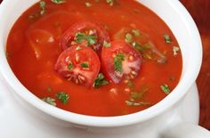 This classic tomoato soup is full to bursting with herbs and also has chicken in it, so you're getting a filling lunch for just 190 calories. Get the tomato soup recipe now. Spicy Tomato Soup Recipe, Tomato Soup Recipes, Skinny Recipes, Diet Recipes, Cooking Recipes, Fast Food Diet, Cabbage Soup Diet, Food Now, Tasty Dishes